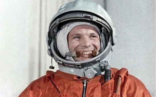 108 минут и планета Земля рукоплескала Гагарину
